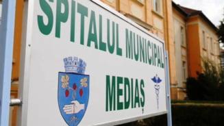 """Directorul Spitalului Municipal din Medias, unde un bolnav de COVID a murit asteptand sa fie intubat: """"Sper ca de marti sa putem caza pacienti in salonul ATI"""""""