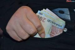 Directorul Spitalului Tulcea, prins cu spaga: Avea asupra sa 3.000 de euro si 2.650 de lei