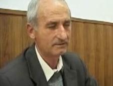Directorul unei scoli din Valcea, acuzat de hartuirea sexuala a unor eleve (Video)