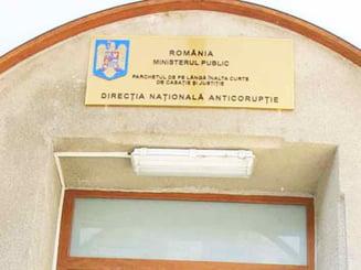 Directorul unui liceu din Cluj, arestat pentru spaga la Bac