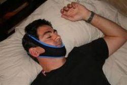 Dispozitiv care te impiedica sa sforai si poate chiar sa-ti salveze viata