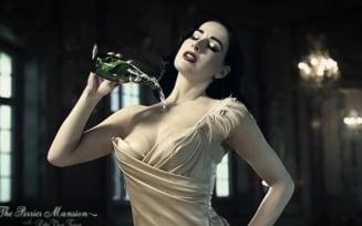 Dita von Teese - in cea mai sexy campanie publicitara (Video)