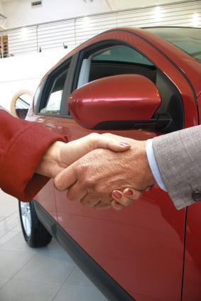 Doar 6% dintre romani si-ar cumpara masina in urmatoarele sase luni