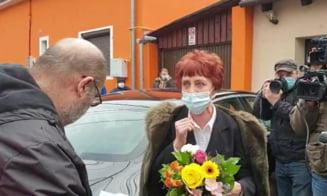 Doctorita Flavia Grosan, pneumologul care sustine ca a vindecat mii de romani de COVID, audiata la Colegiul Medicilor. Cine a venit sa o sustina
