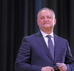 Dodon ameninta ca nu va mai acredita niciun ambasador pana nu e retras cel din Romania