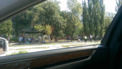 Doi COPII au fost ACCIDENTATI GRAV de o masina pe strada Ionel Fernic