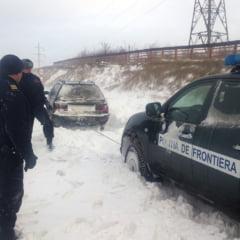 Doi afgani au incercat sa intre ilegal in Romania