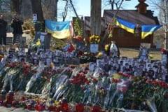 Doi ani de la EuroMaidan - Ucraina comemoreaza cu spargeri de banci si criza politica