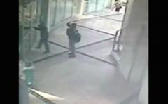 Doi copii au incercat sa jefuiasca o banca avand arme de jucarie