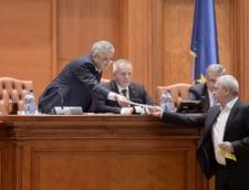 Doi judecatori CCR critica dur viteza cu care s-au amputat Codurile Penale: Politica penala a statului nu poate fi dezbatuta si votata intr-o singura zi
