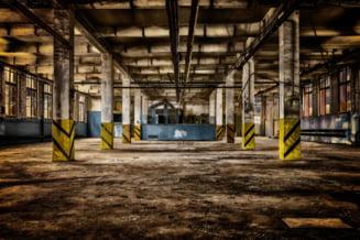 Doi mari producatori auto sisteaza activitatea mai multor fabrici din cauza deficitului de semiconductori
