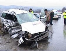 Doi morti si 7 raniti, intr-un accident petrecut in Vaslui (Video)