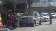Doi pietoni loviti de masina in Dealul Stefanitei - ACTUALIZARE: O mama si fetita ei de doar 5 ani au fost lovite de un sofer vitezoman baut. Cele doua au fost preluate de ambulante in stare grava. Mama a ajuns, cu elicopterul, la Targu Mures