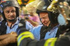 Doi protestatari au fost retinuti pentru violente impotriva jandarmilor la mitingul din 10 august