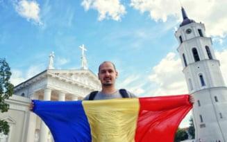 Doi romani calatoresc in jurul lumii fluturand tricolorul - descoperiri uluitoare in tarile vizitate
