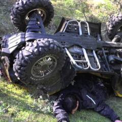 Doi turisti au murit in munti, dupa ce s-au rasturnat cu motocicleta si ATV-ul