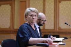 Doina Gradea a luat singura decizia sumelor mari pentru unii analisti si jurnalisti: 100.000 de euro pe an, pentru Ionut Cristache (Membri ai CA)