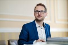 """Dominic Fritz, scutit de consilierii locali din Timișoara să-și publice documentele privind domiciliul şi diplomele de studii: """"Mi-ar fi mai simplu să votaţi pentru menţinere"""""""