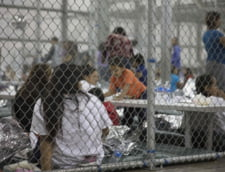 Donald Trump tine copiii imigrantilor in custi. Unii au stat cate 20 intr-o celula