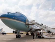 """Donald Trump vrea sa schimbe culorile Air Force One. Nu-i place """"albastrul de bebelus"""""""