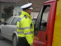 Dosar penal pentru un barbat din Campeni. A condus o autoutilitara fara sa aiba permis de conducere corespunzator