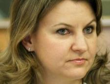 Dosarul Microsoft: Fostul ministru Adriana Ticau, pusa sub invinuire - surse (Video)