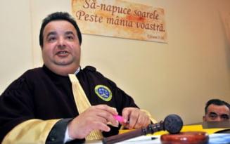 Dosarul evaziunii de cinci milioane de euro. Autointitulatul rege international al romilor, Dorin Cioaba, retinut in locul sotiei