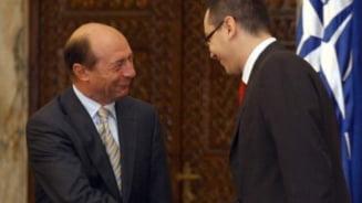 Dottore, probleme? Ia de la Basescu! (Opinii)