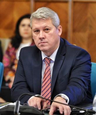 "Doua asociatii de magistrati critica dur bilantul activitatii lui Catalin Predoiu: ""Reprezinta oglinda fidela a neputintei sau lipsei de vointa politica"""