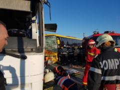 Doua autobuze s-au lovit la Satu Mare. A fost activat planul rosu de interventie UPDATE