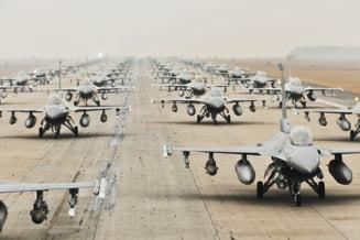 Doua avioane F-16 scoase din uz vor fi donate Bulgariei de catre Statele Unite