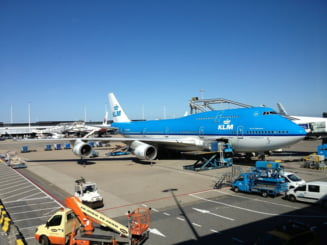 Doua avioane s-au ciocnit pe aeroportul din Amsterdam