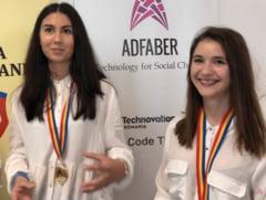 Doua eleve de la Hasdeu, premiul I pentru o aplicatie smartphone care rezolva o problema a Buzaului