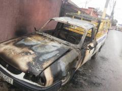 Doua masini au luat foc in cartierul Coiciu: mana criminala?