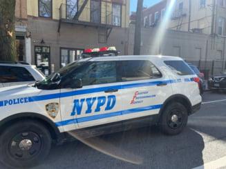 Doua masini de politie au intrat in multime la o manifestatie de la New York (Video)