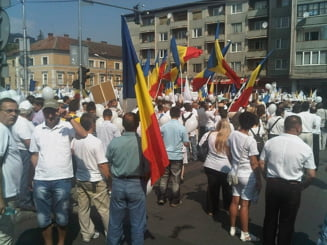 Doua mitinguri pentru sustinerea lui Basescu, la Iasi si la Bucuresti