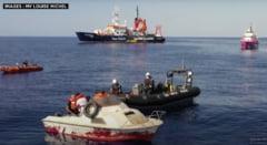 """Doua nave umanitare sar in ajutorul vaporului lui Banksy. """"Vom putea sa preluam migranti la bord chiar daca avem proceduri COVID-19 de respectat"""""""