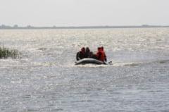 Doua persoane disparute pe lacul Razelm