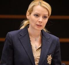 Doua prime doamne din politica romaneasca, pe lista scurta pentru premii la Bruxelles