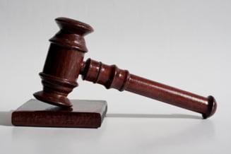 Doua procese grele incep luni la Inalta Curte: Politicieni acuzati de coruptie, in fata instantei