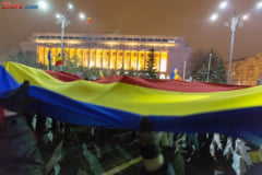 "Doua proteste simultan in Piata Victoriei: ""Fara ordonanta!"" vs ""Afara cu Uber din tara!"" (Video)"
