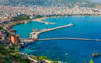 Doua romance sustin ca au fost urmarite de necunoscuti in hotelul din Turcia. Reactia MAE