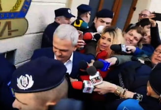 Dragnea, citat la DNA: Jandarmii au legitimat mai multi contestatari, printre care si un jurnalist (Video)