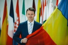 Dragnea a promis 20.000 lei familiilor sarace. Siegfried Muresan: Vor sa tina in continuare Moldova in saracie si dependenta