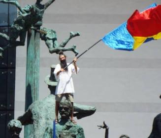 Dragnea acuza infiltrarea unor provocatori profesionisti la parada pentru a da vina pe PSD. Gorghiu: Cine se scuza se acuza!