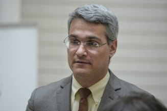"""Dragos Pislaru critica """"politica strutului"""" in contextul sezonierilor romani"""