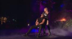Drake, sarutat cu patima de Madonna, pe scena - Artistul spune, in sfarsit, ce a simtit