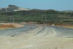 Dreptul de proprietate, un moft pentru regii asfaltului. Oamenii lui Umbrarescu distrug ilegal terenuri private