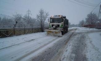Drumarii au intervenit cu 251 de utilaje pe drumurile din judetul Cluj
