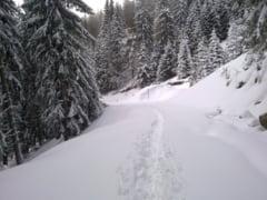 Drumul care leaga statiunea Sinaia de Cota 1.400, inchis din cauza zapezii